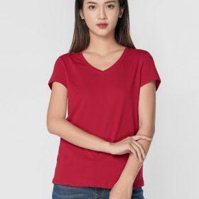 mẫu áo thun cổ tim màu đỏ